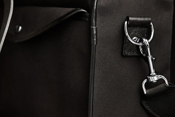 Hawkesmill-Bond-Street-Camera-Bag-Trigger-Hook