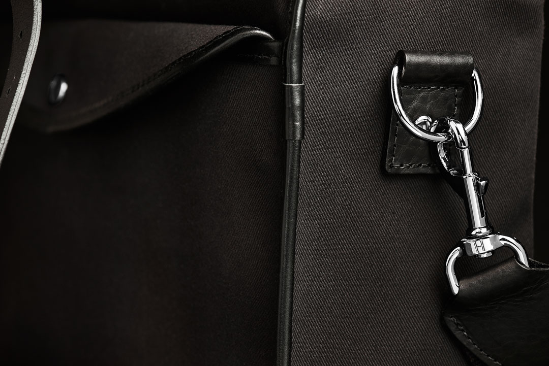 Hawkesmill-Bond-Street-Camera-Bag-Trigger-Hook