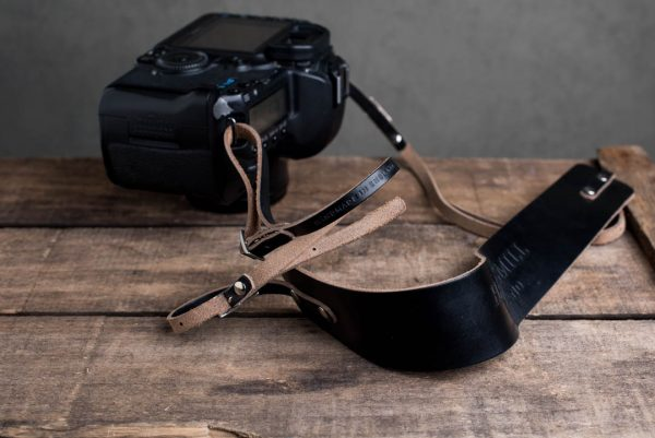 Hawkesmill-Borough-Black-Leather-Camera-Strap-Canon-5D-Mark2-3