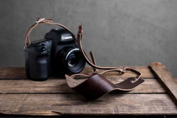 Hawkesmill-Borough-Brown-Leather-Camera-Strap-Canon-5D-Mark2-2
