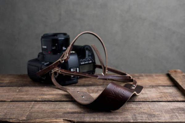 Hawkesmill-Borough-Brown-Leather-Camera-Strap-Canon-5D-Mark2-3