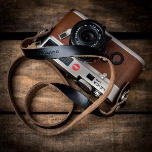 Hawkesmill-Horween-Camera-Neck-Strap-on-Leica-M6-Calfskin