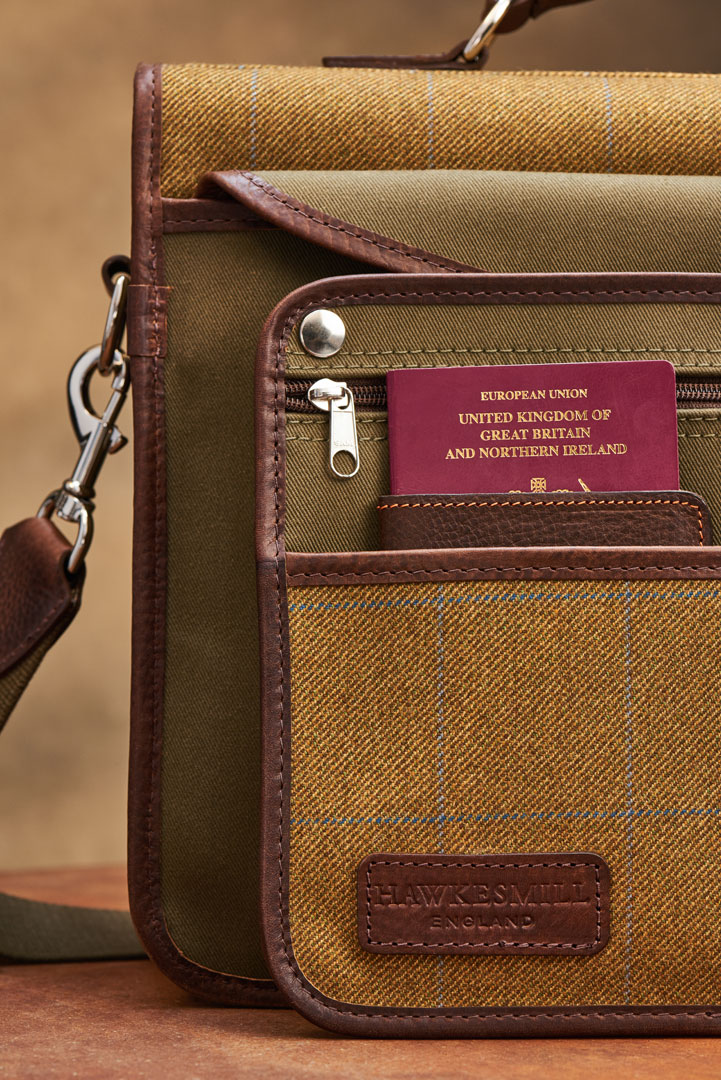 Hawkesmill-Jermyn-Street-Camera-Bag-Rear-Sleeve-Close-Up