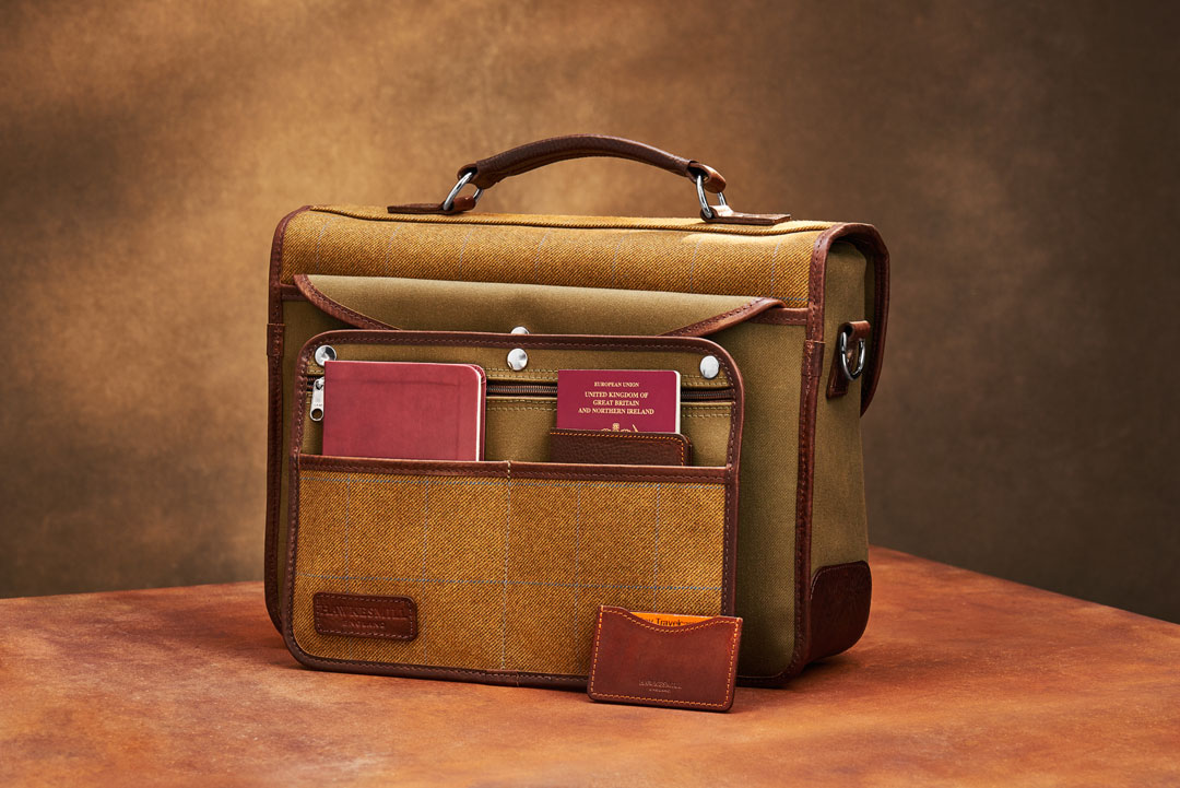 Hawkesmill-Jermyn-Street-Camera-Bag-Rear-Sleeve