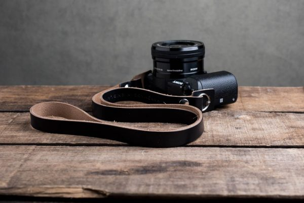 Hawkesmill-Kensington-Leather-Camera-Strap-Black-Rivet-Sony-3
