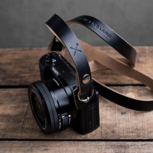 Hawkesmill-Kensington-Leather-Camera-Strap-Black-Rivet-Sony-5