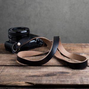 Hawkesmill-Kensington-Leather-Camera-Strap-Black-Rivet-Sony-6