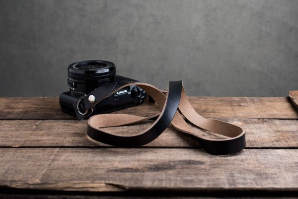 Hawkesmill-Kensington-Leather-Camera-Strap-Black-Rivet-Sony-6