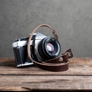 Hawkesmill-Kensington-Leather-Camera-Strap-Brown-Rivet-Olympus-1