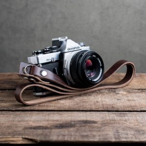 Hawkesmill-Kensington-Leather-Camera-Strap-Brown-Rivet-Olympus-2