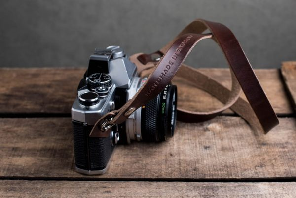 Hawkesmill-Kensington-Leather-Camera-Strap-Brown-Rivet-Olympus-4