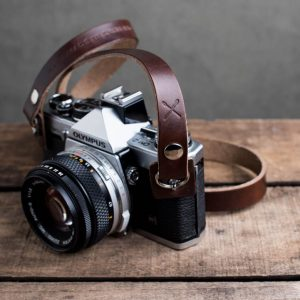 Hawkesmill-Kensington-Leather-Camera-Strap-Brown-Rivet-Olympus-5