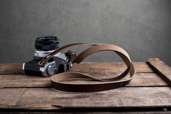 Hawkesmill-Kensington-Leather-Camera-Strap-Brown-Rivet-Olympus-6