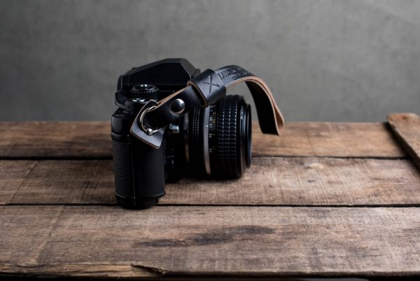Hawkesmill-Oxford-Black-Leather-Camera-Strap-Nikon-F3-4
