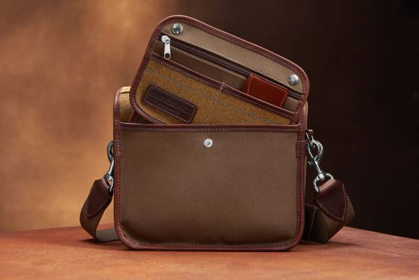 Hawkesmill-Small-Jermyn-Street-Camera-Bag-Rear-Sleeve