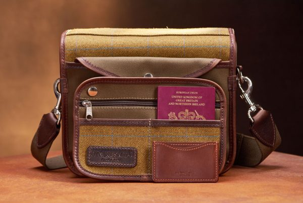 Hawkesmill-Small-Jermyn-Street-Camera-Bag-Rear-Sleeve-Pocket