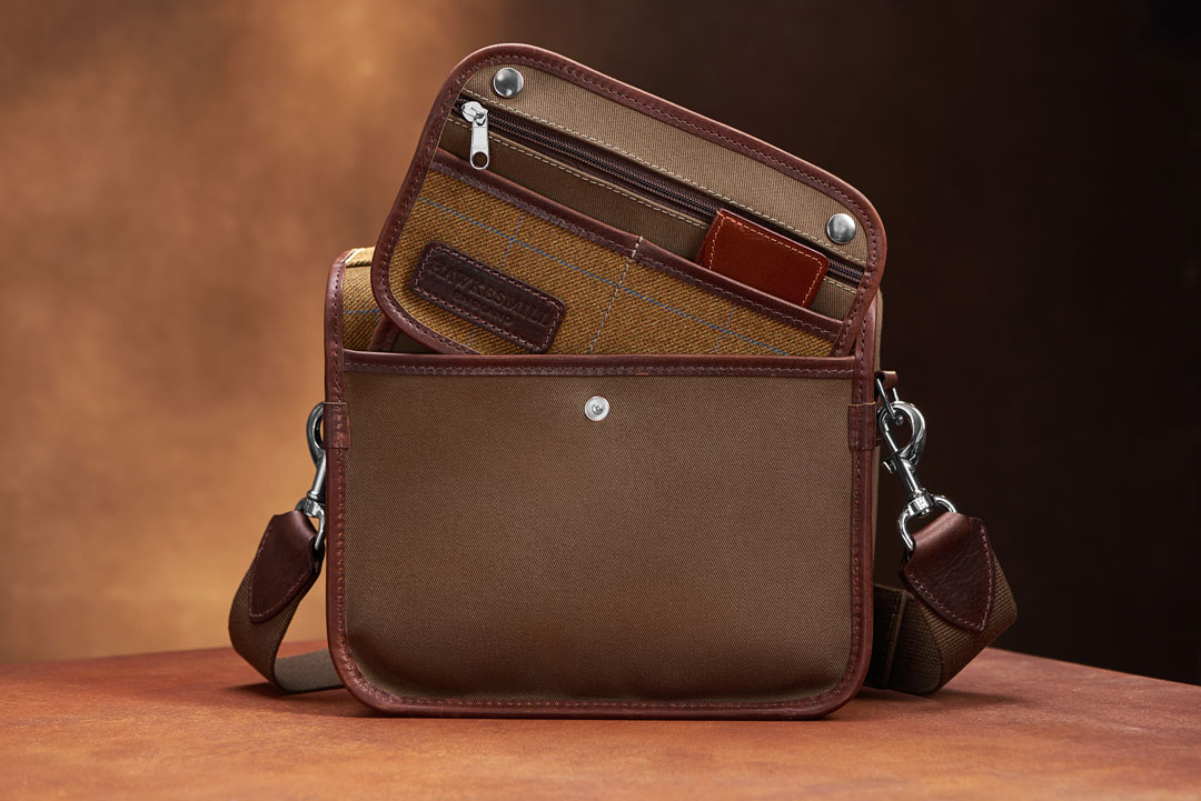 Hawkesmill-Small-Jermyn-Street-Camera-Bag-Rear-Sleeve
