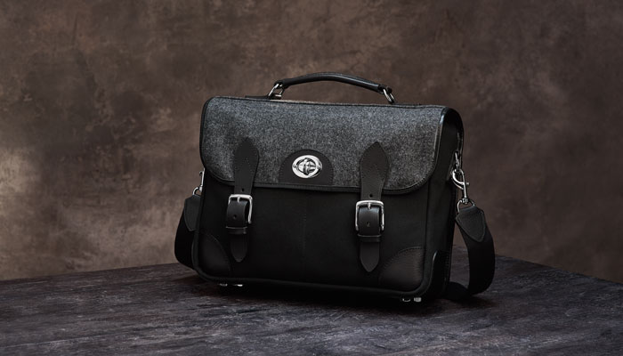 Hawkesmill-Sloane-Street-Camera-Messenger-Bag-Header-Blog