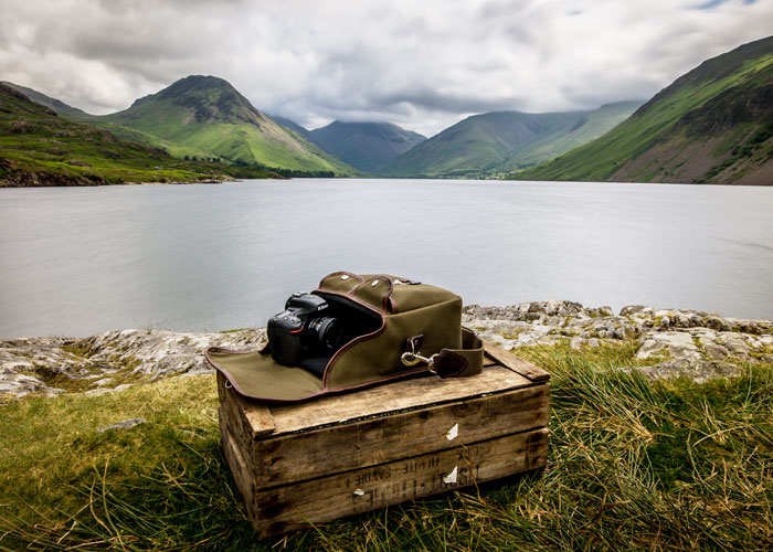 Hawkesmill-Lake-District-Small-Jermyn-Street-Camera-Bag-Nikon-D750