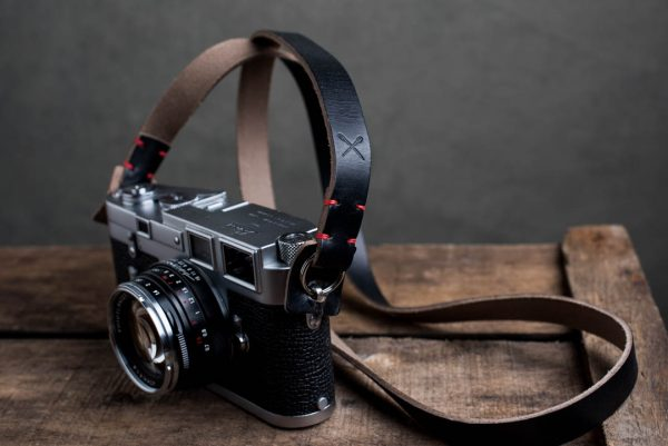 Hawkesmill-Kensington-Leather-Camera-Strap-Black-Stitched-Leica-M3-3