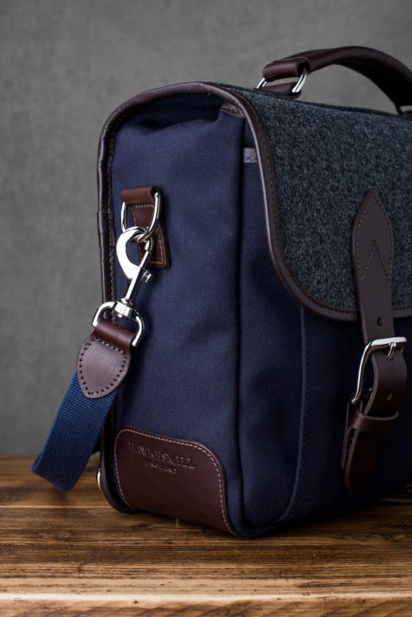 Hawkesmill-Monmouth-Street-Camera-Messenger-Backpack-Gusset