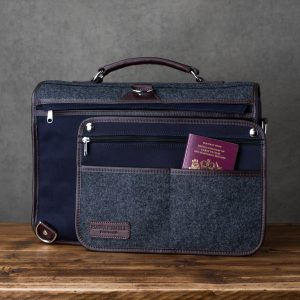 Hawkesmill-Monmouth-Street-Camera-Messenger-Backpack-Rear-Sleeve