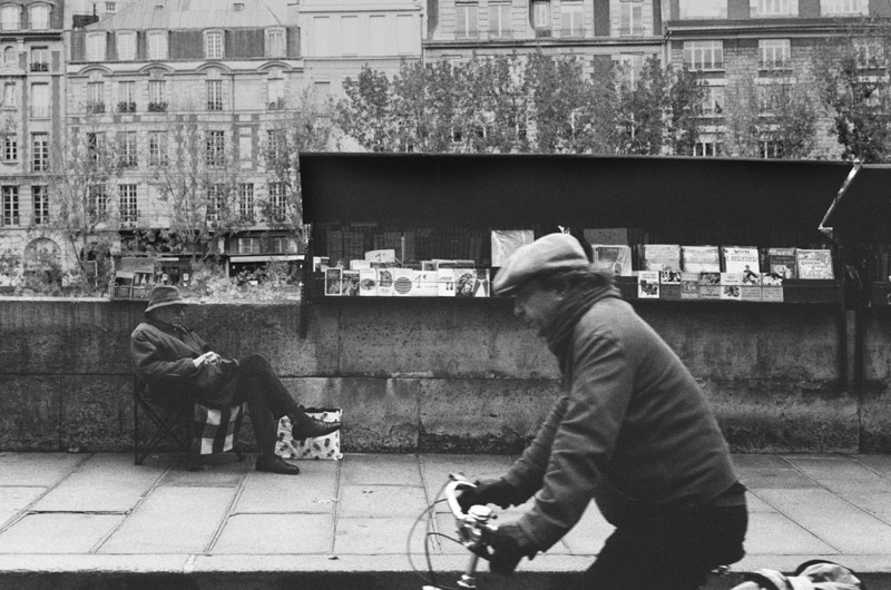 Leica M6 Classic photographing Paris with Iford HP5 film