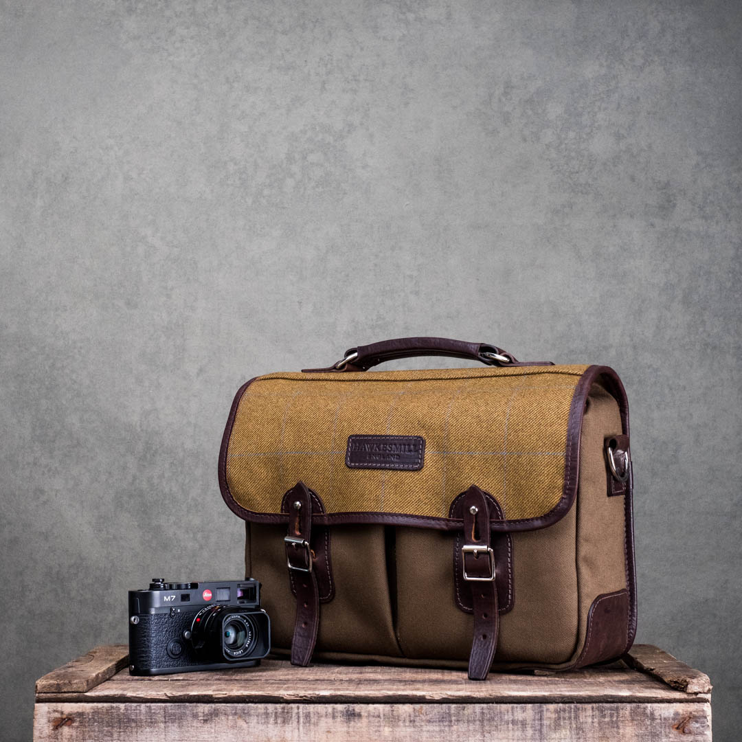 Hawkesmill-Jermyn-St-Medium-Camera-Bag-Leica-M7