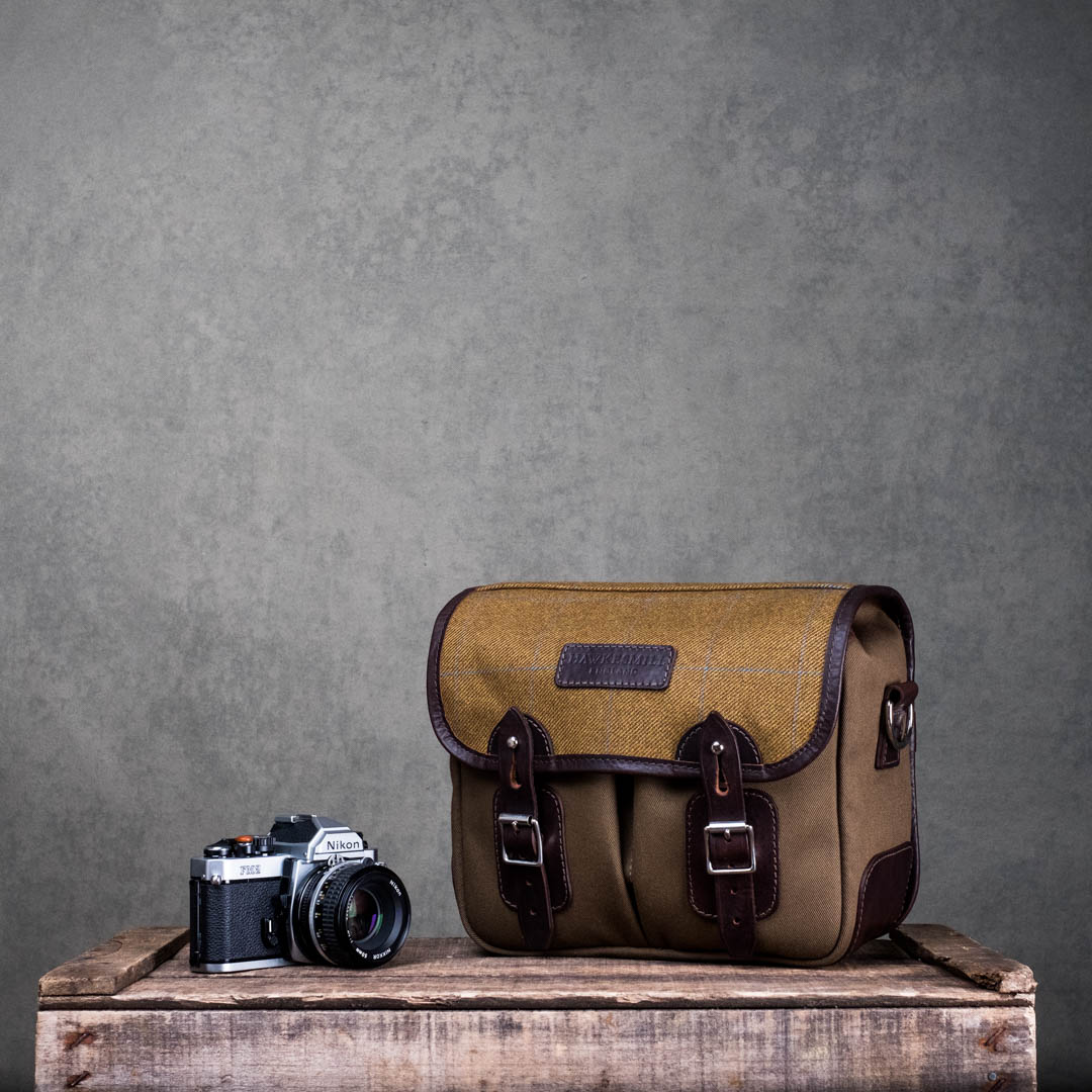 Hawkesmill-Jermyn-St-Small-Camera-Bag-Nikon-FM2